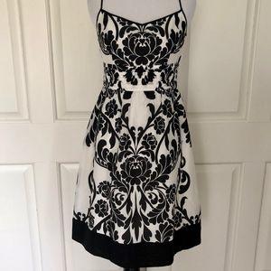 WHITE BLACK FLORAL COTTON SILK BLEND LINED DRESS